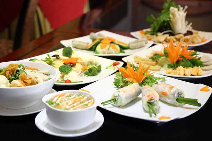 Khách sạn Phú Đô hoàn toàn yên tâm về chất lượng bát đĩa nhờ tủ sấy bát