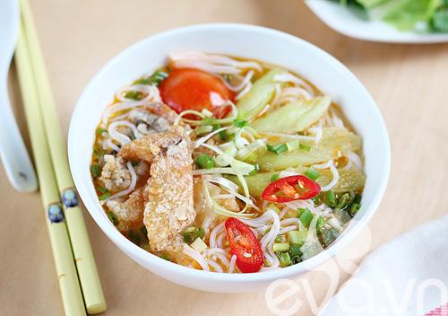 Bún cá -một trong những món bún, phở hấp dẫn của ẩm thực Việt Nam