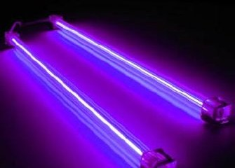 Có thể tự thay thế bóng đèn UV của tủ sấy bát được không?