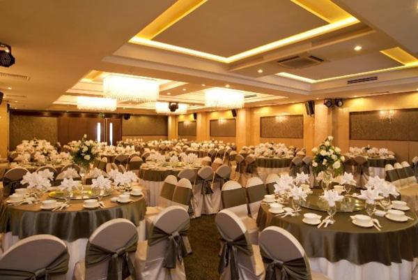 Nhà hàng Bách Việt - địa điểm lí tưởng để tổ chức tiệc cưới