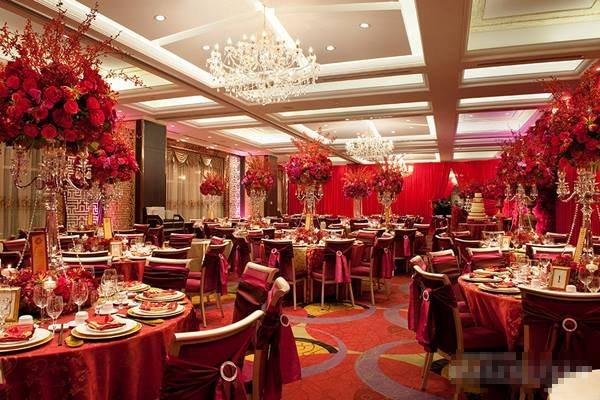 Không gian sang trọng của nhà hàng tiệc cưới Venus Palace