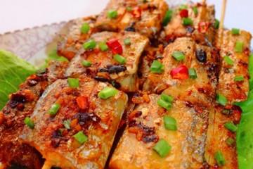 Làm cá hố nướng xiên thơm ngon chỉ với lò nướng bánh mì