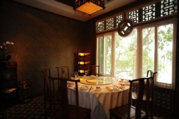 Viên ngọc Á Đông Lục Thủy là khách hàng sử dụng lò nướng bánh mì của Bep36