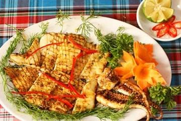 Mực một nắng nướng muối ớt hấp dẫn với lò nướng bánh mì