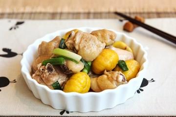Lạ miệng ngon cơm với thịt gà om hạt dẻ