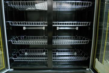 Thường xuyên vệ sinh tủ sấy bát để tiết kiệm điện
